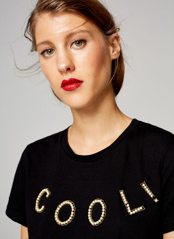 'Cool' T-shirt with faux pearls
