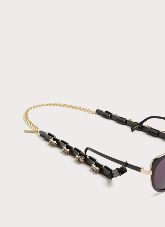 Sunglasses chain with gem
