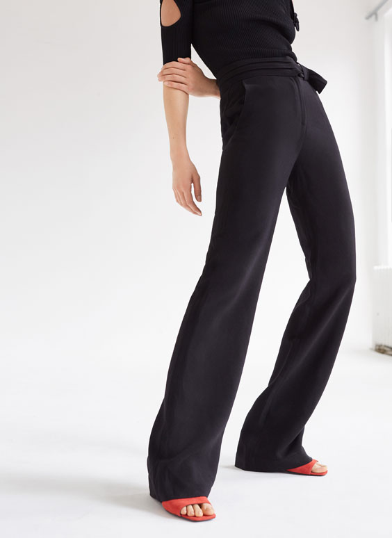 Straight cut trousers with bow detail