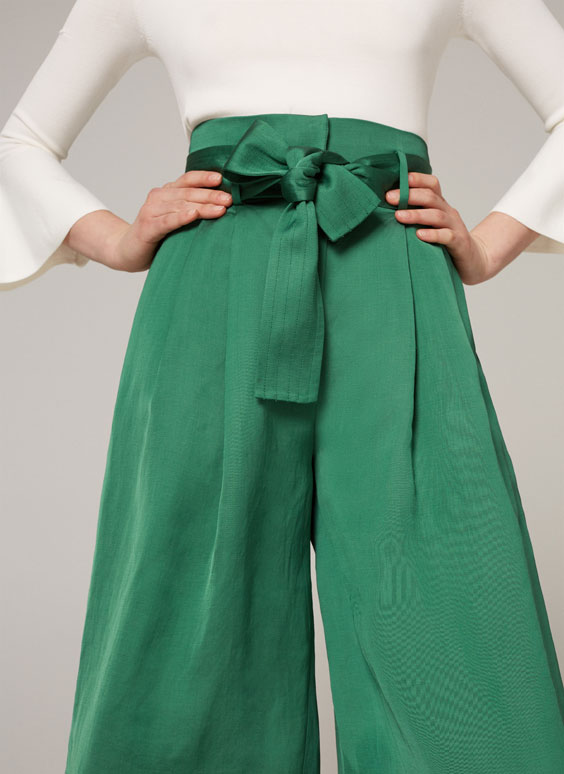 Green wide cut culottes with tied detail