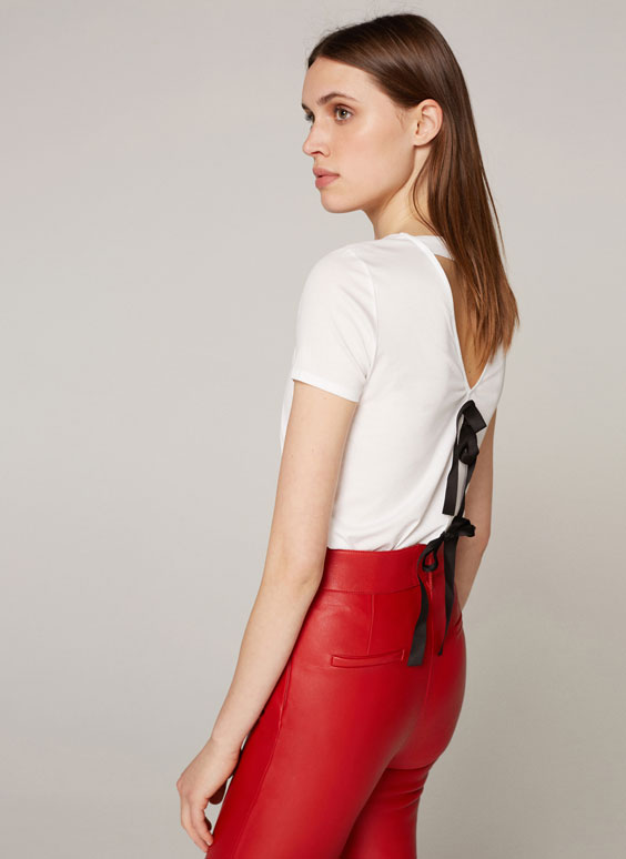 T-shirt with back bows