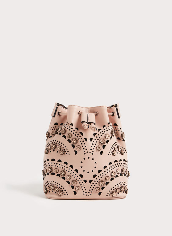 Cut-out bucket bag with flowers