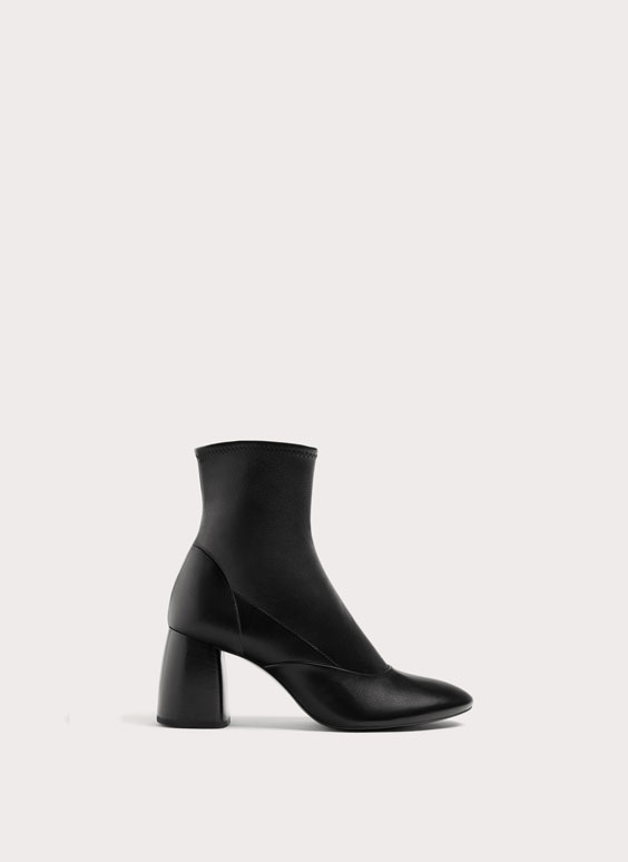 Stretch nappa ankle boots