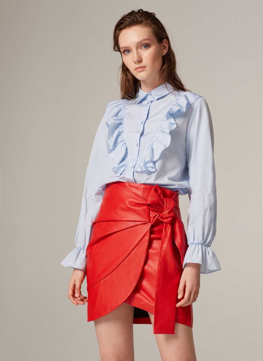 Red leather skirt with knot - - Uterqüe United Kingdom