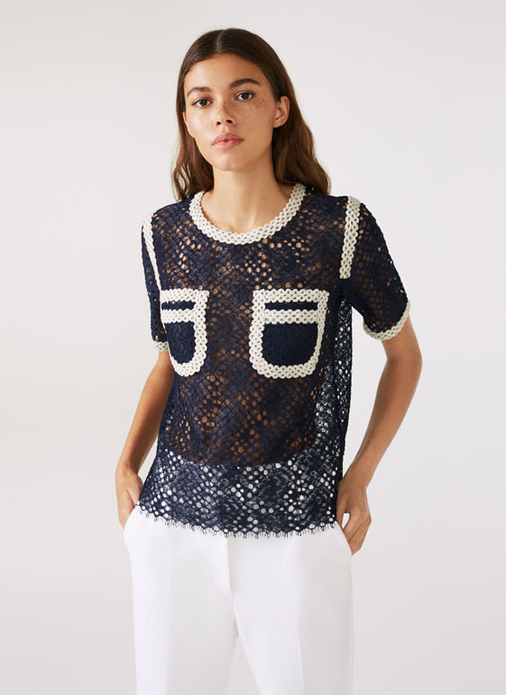 Lace T-shirt with velvet