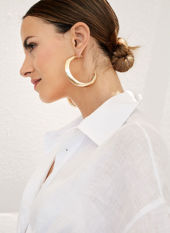 Metallic gold hoop earrings