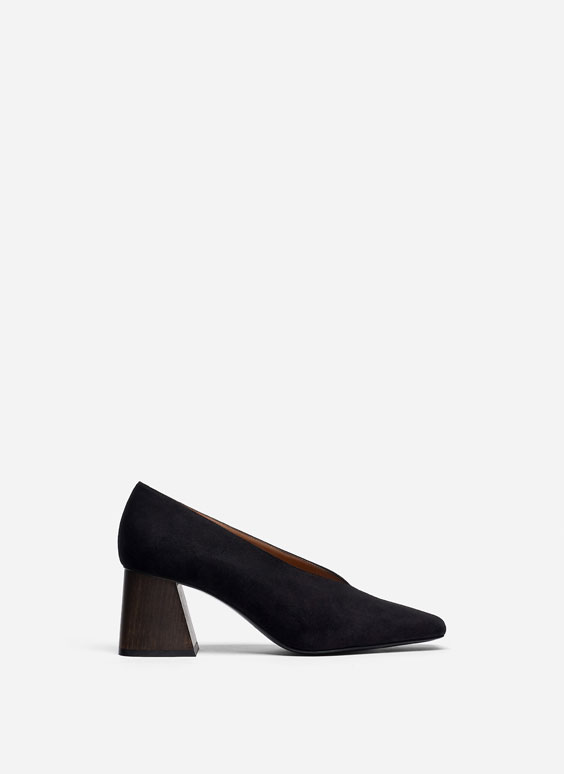 Suede court shoes with wooden heels