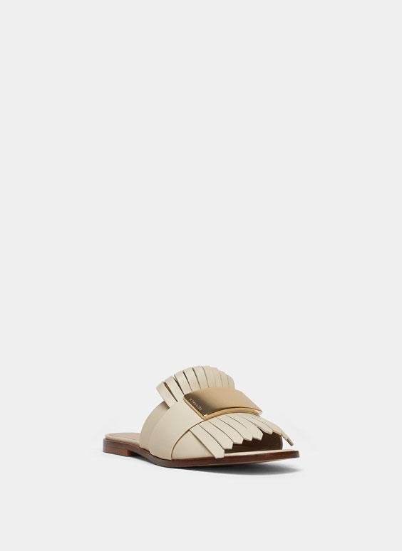 Sandales plates franges