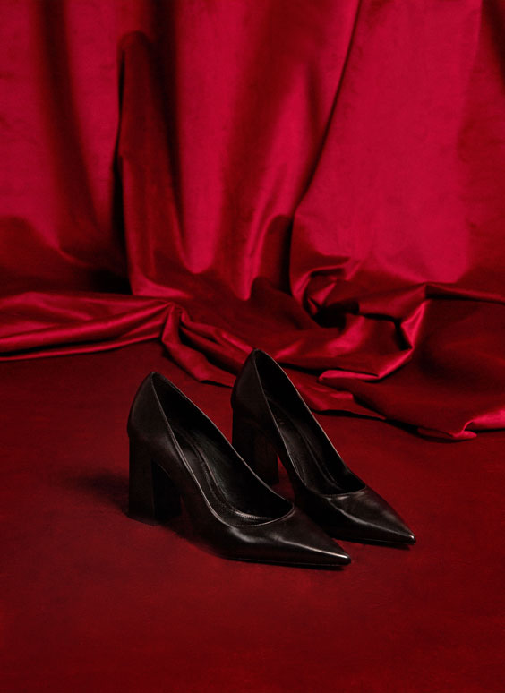 Black high-heel court shoes