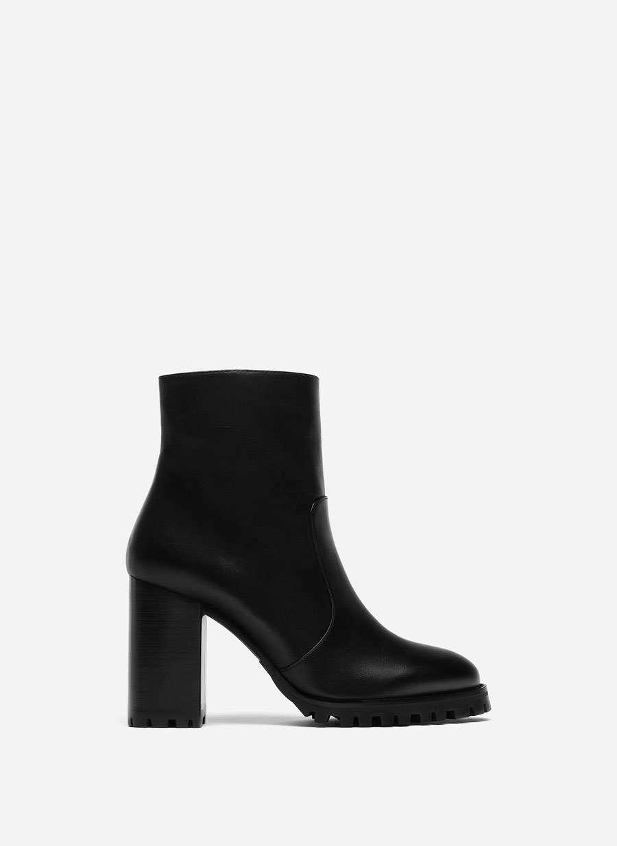 Track Sole Ankle Boots Nappa Ankle Boots With Sheepskin Lining Lace Up Leather Platform Ankle Boots by Uterqüe