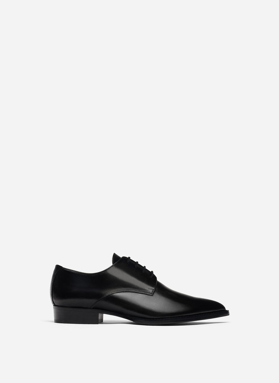 """""""Special Edition"""" Black Derby Shoes Black High Heel Mules Black V Vamp High Heel Court Shoes by Uterqüe"""