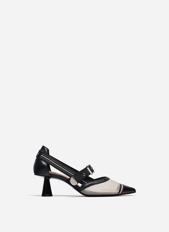 Leather and mesh court shoes