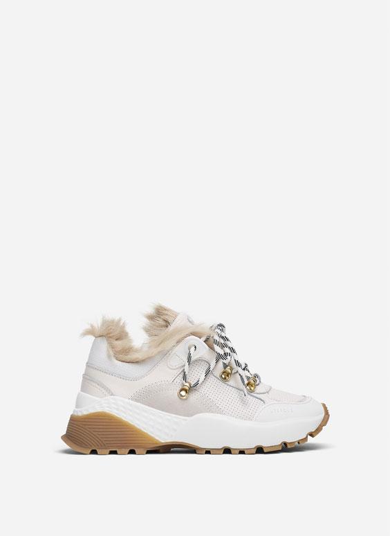 Білі кросівки з хутром
