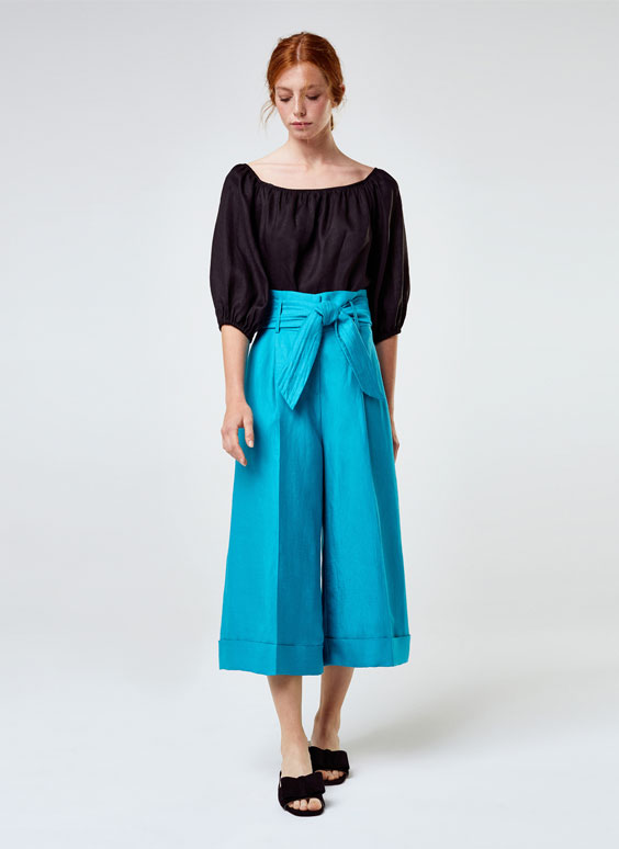 Maxi capri-length trousers