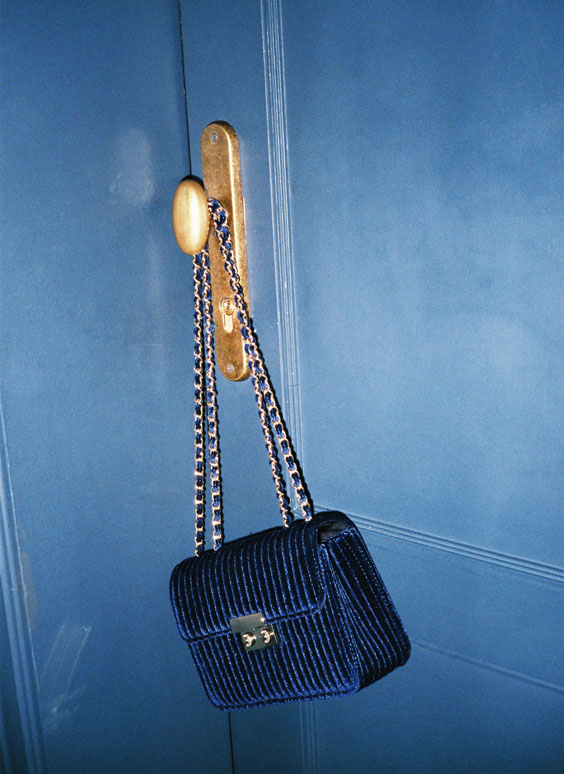 Ribbed velvet bag