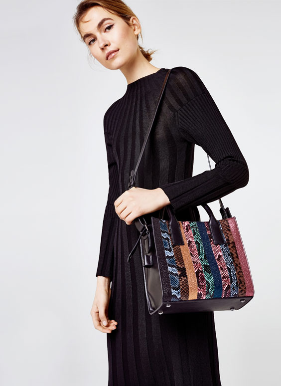 Snakeskin city bag with two straps