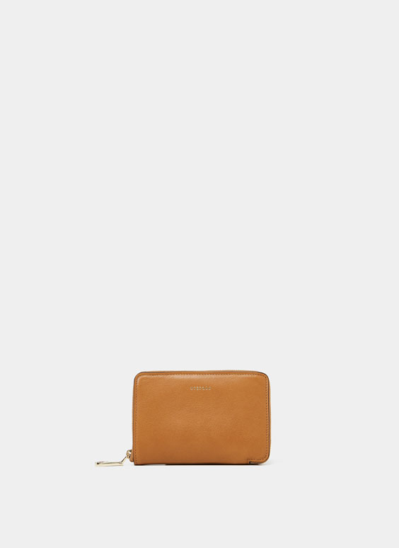 Plain medium leather wallet