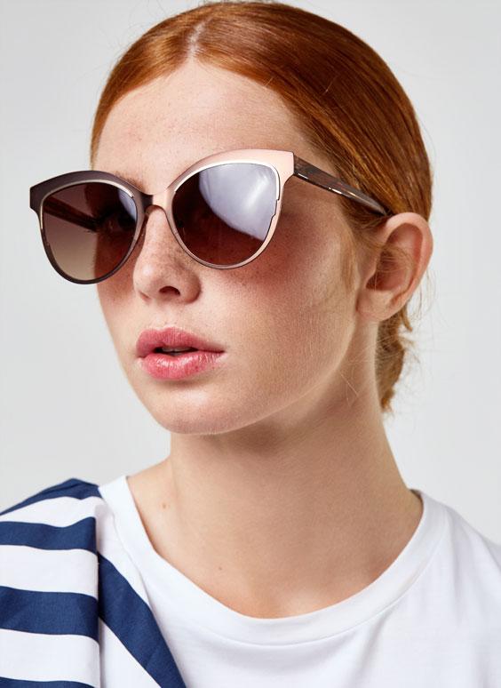 Contrasting sunglasses