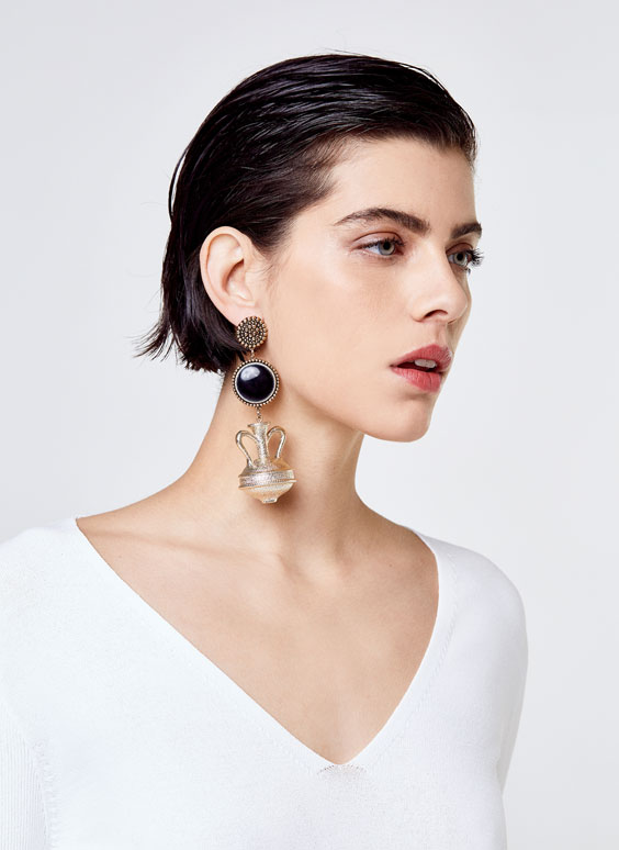Amphora-shaped earrings
