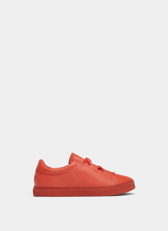 Unifarbene Sneaker in Orange