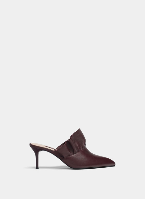 Burgundy mules with frill