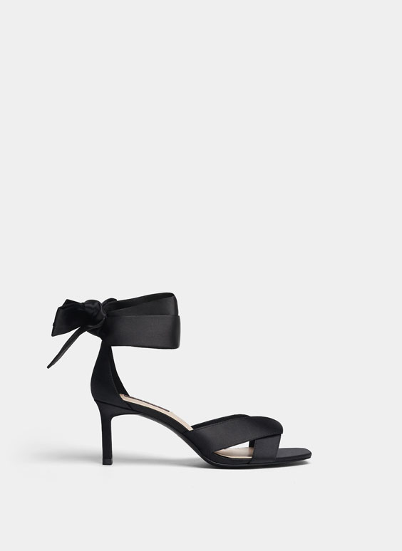 Sandales en satin noires