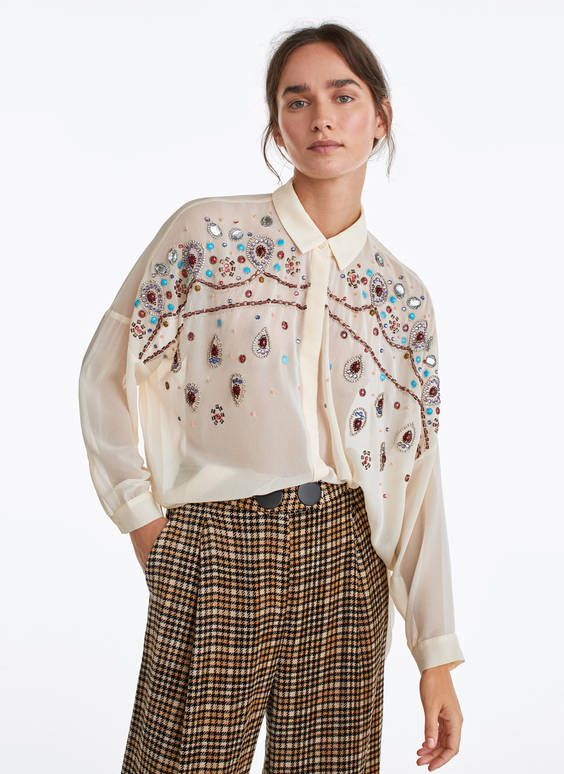 Shirt with teardrop embroidery