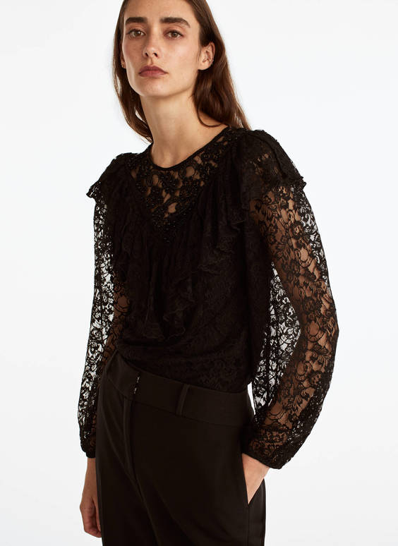 Lace T-shirt with ruffle