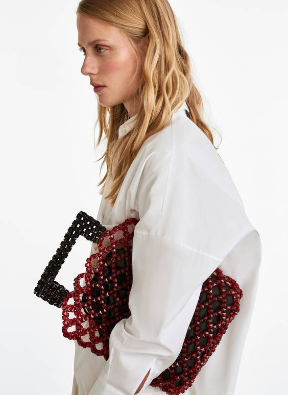 Cube-shaped tote bag