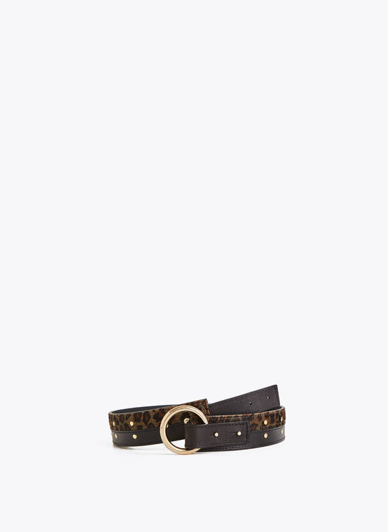 Leather belt with ring closure