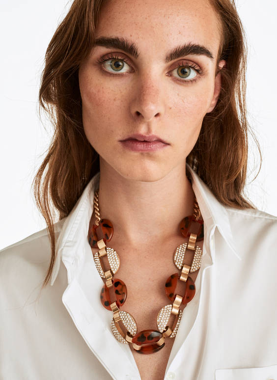 Tortoiseshell necklace studded with rhinestones