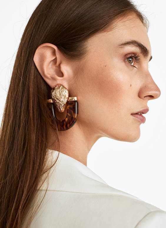 Tortoiseshell horseshoe earrings