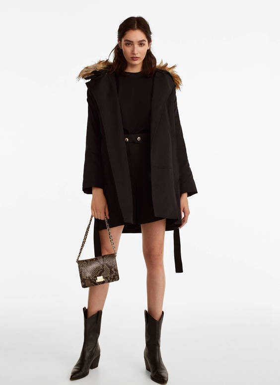 Trench coat with detachable lining