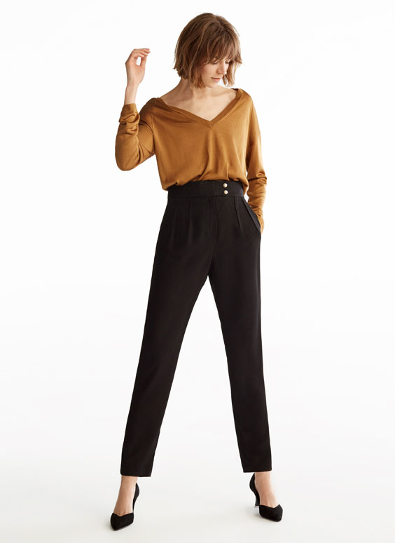 Basic pearl button trousers