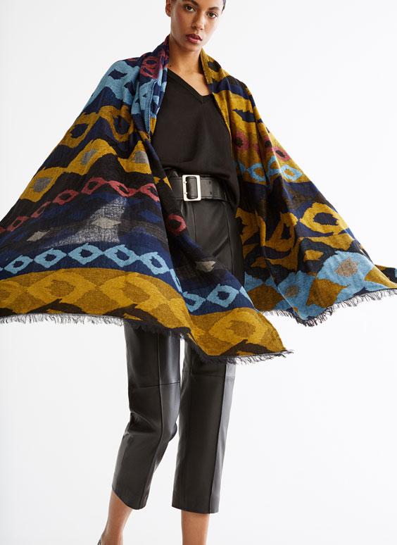 Écharpe géométrique noire
