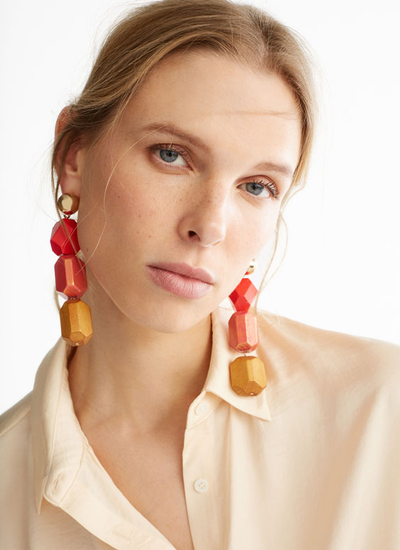 Coloured wood earrings