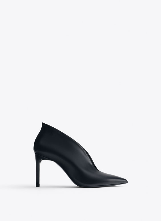 V vamp leather high heel court shoes