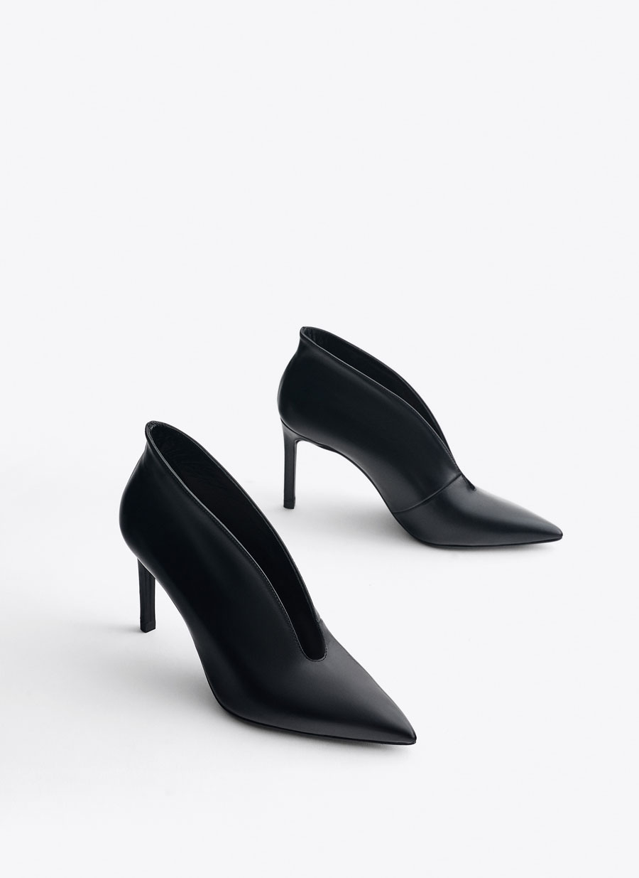 73ca1eb7a5a V vamp leather high heel court shoes - View all - New in - Uterqüe Denmark