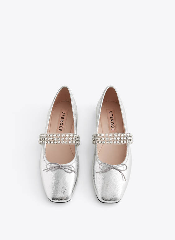Laminated ballerinas with bejewelled detail
