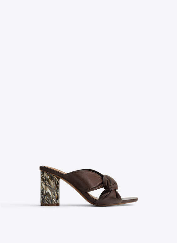 Leather crossover sandals with marble-effect heel