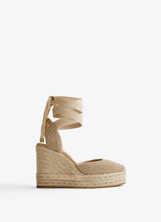 Crochet jute wedges