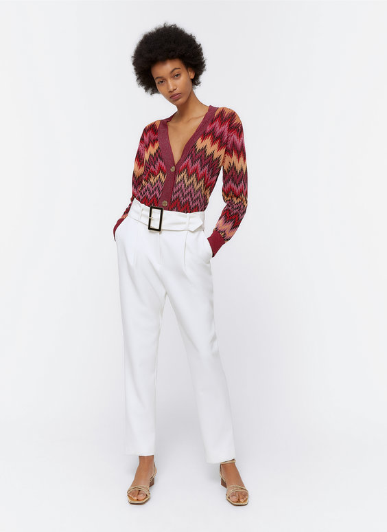 Trousers with contrast buckle
