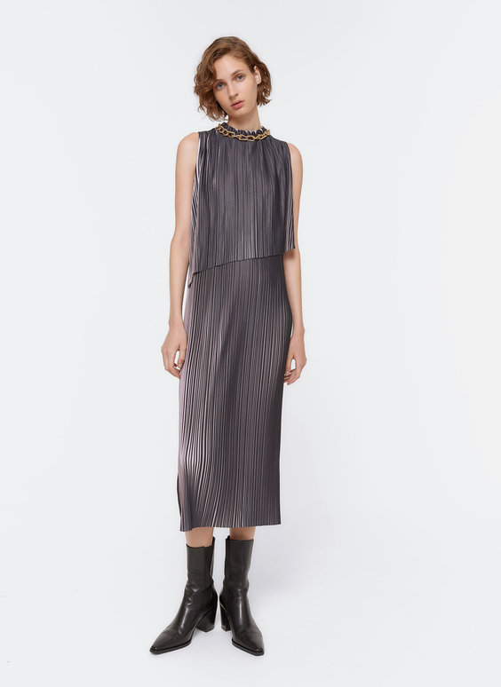 Two-tone pleated dress