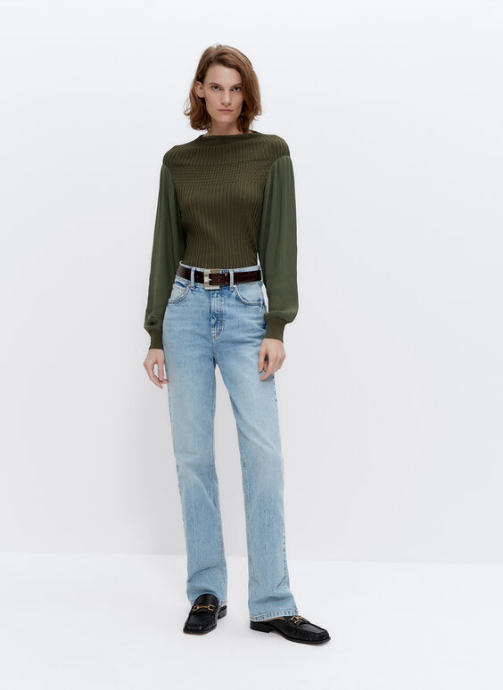 Knit sweater with pleated sleeves