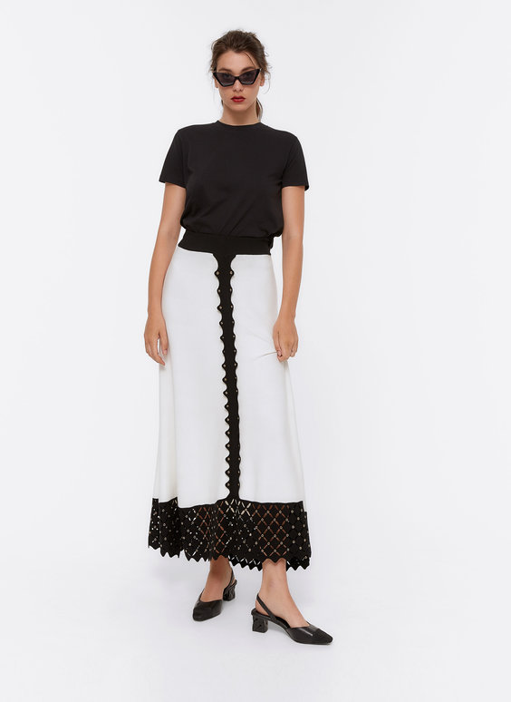 Contrast skirt with eyelets
