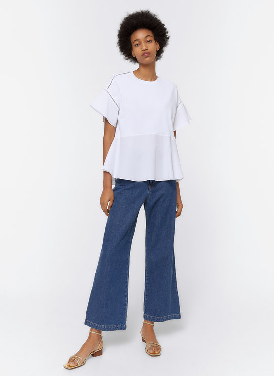 T-shirt with ruffled cuffs and hem
