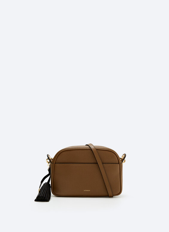 Plain leather bag with tassel