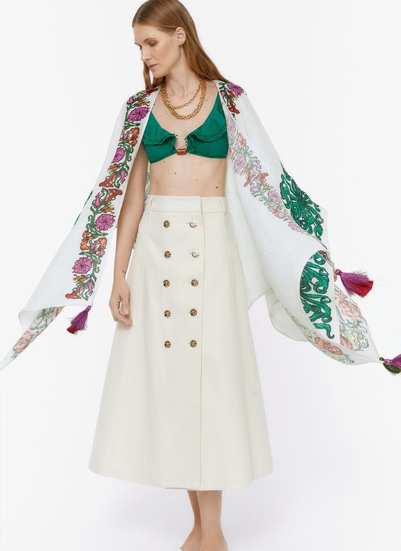 Poncho-style kaftan with flowers and tassels
