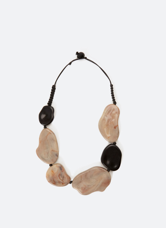 Choker cu elemente decorative