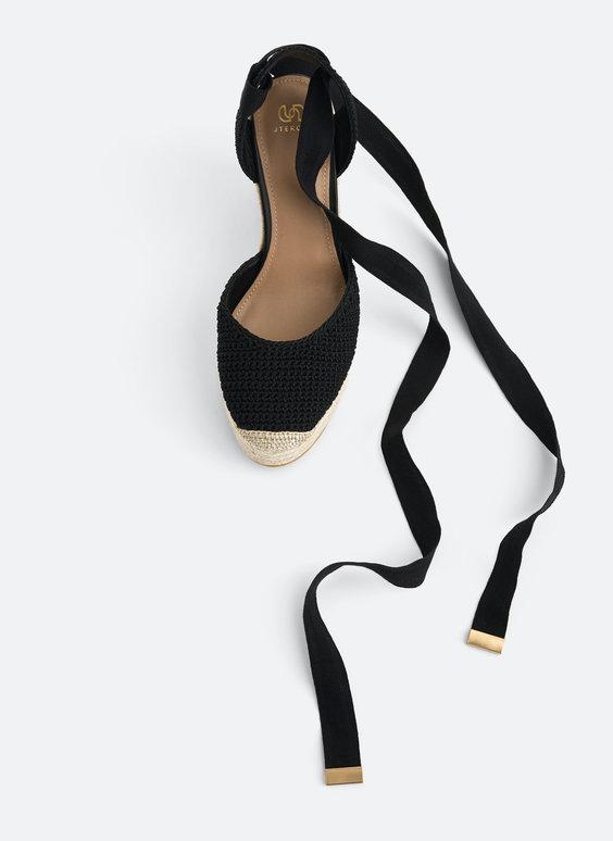 Jutové topánky na plnom podpätku s háčkovaným viazaním